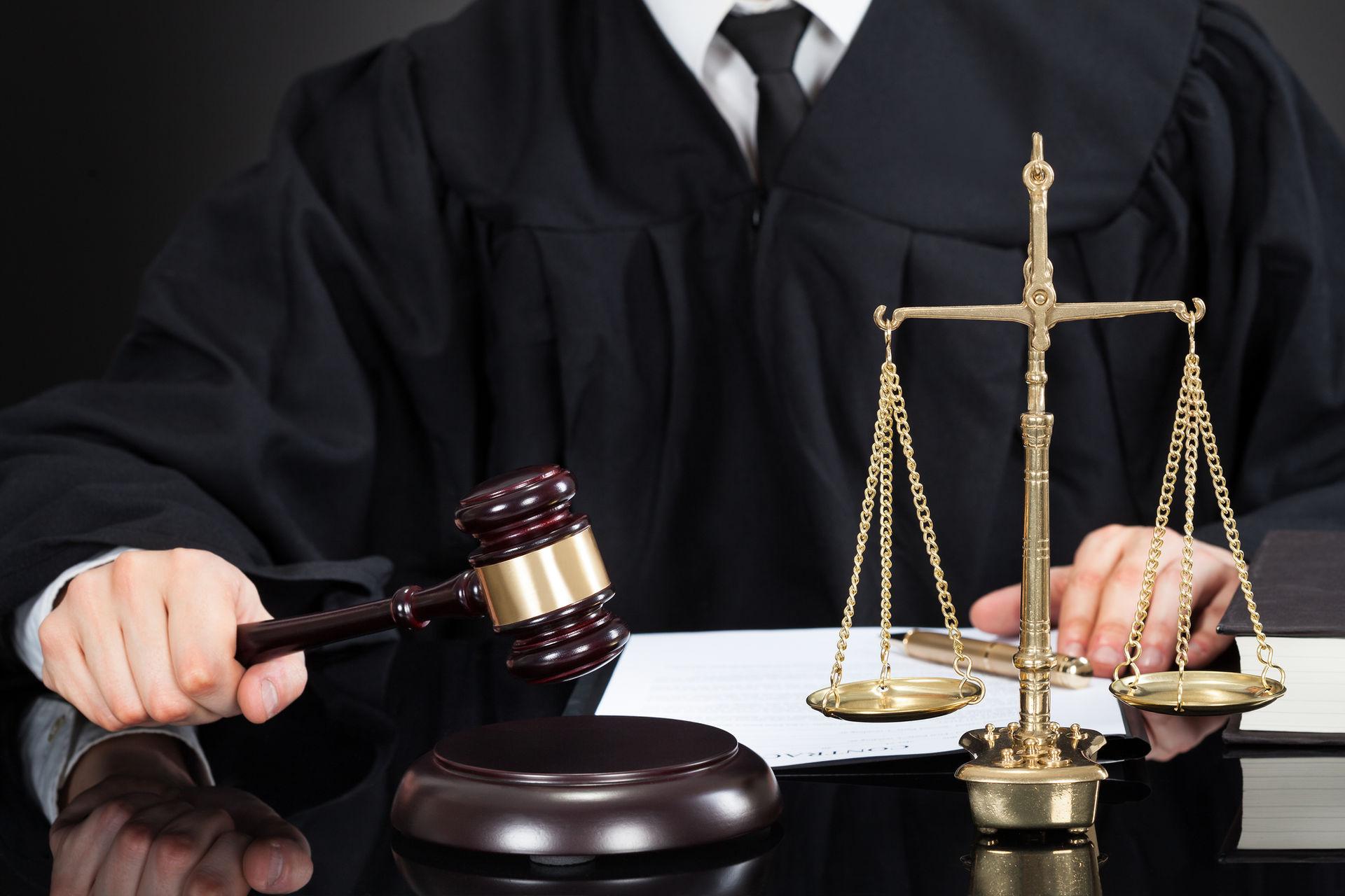 юрист по доменным спорам